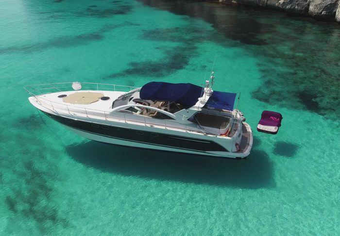 Quicksilver Mosquito 7,55m Alquiler de barcos y yates Menorca Boat Rent